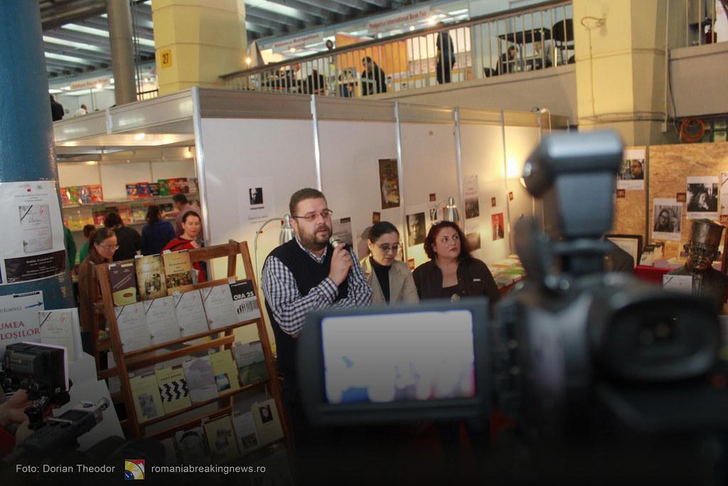 Lansare_de_Carte_FARA_INCHISOARE_AS_FI_FOST_NIMIC_Bucuresti_19-11-2016_romaniabreakingnews-ro (14)