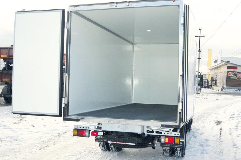 Изотермический фургон изготовили на новосибирском предприятии «СибЕвроВэн»