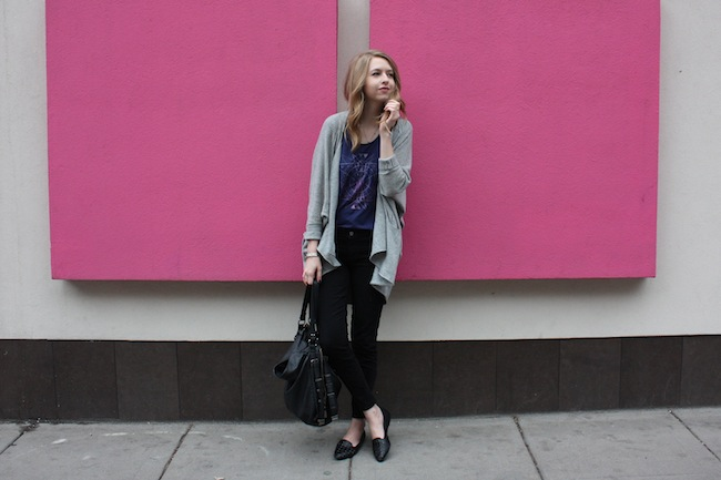 chelsea+lane+minneapolis+fashion+style+blogger+vans+girls+tee+lily+and+violet+cardigan+justfab+signature+skinny+loafers6