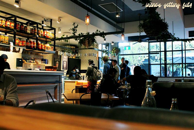 ribsburgers-interior2