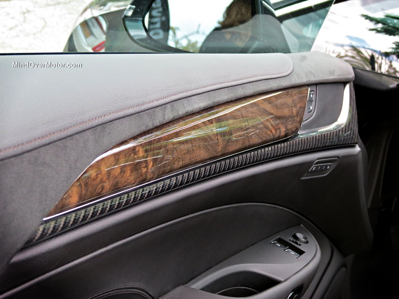 Cadillac ELR Carbon Fiber and Wood Trim