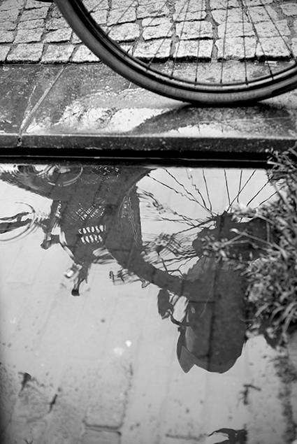 Rainyday_Reflection_BW