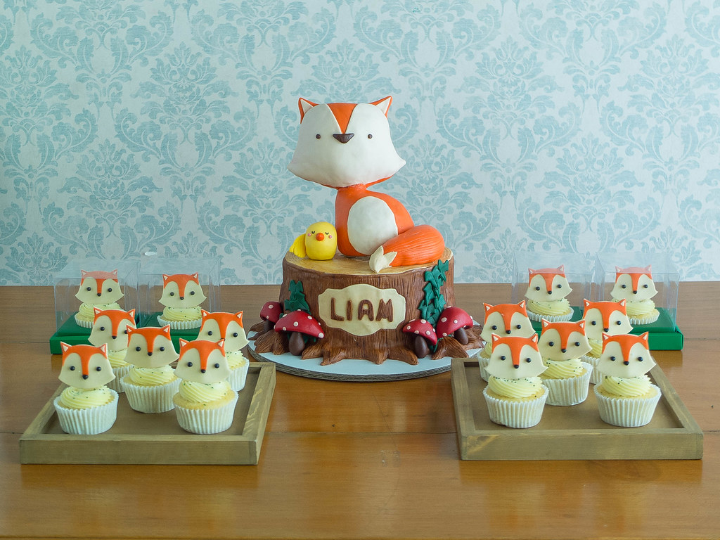 Fox Cake and Cupcakes