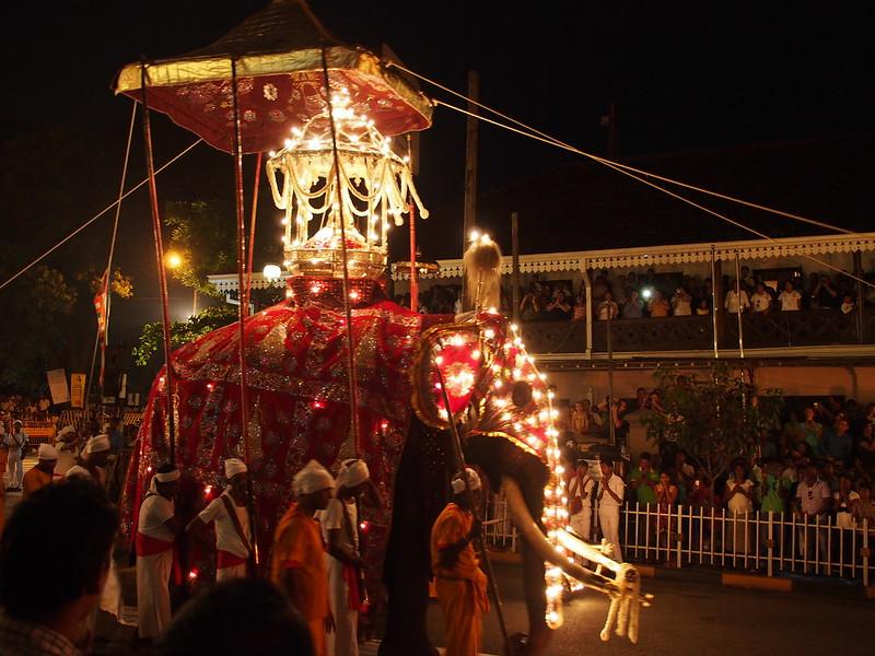 Esala Perahera 2014 in Kandy, Sri Lanka スリランカ、キャンディ、ペラハラ祭り