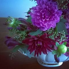 Mother's love for purple. #custom #floral #flowerpowernation #dallas #birthday #flowersofinstagram #dhalias in #vintage
