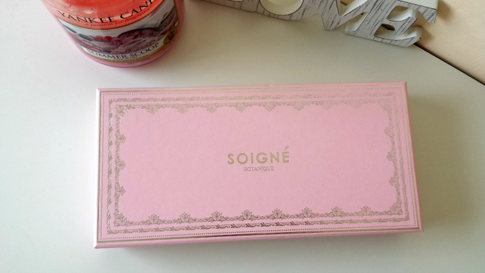 Soigne Macaron Collection