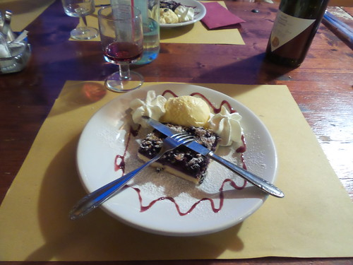 Il dolce ai mirtilli al Rifugio il Moro by Ylbert Durishti
