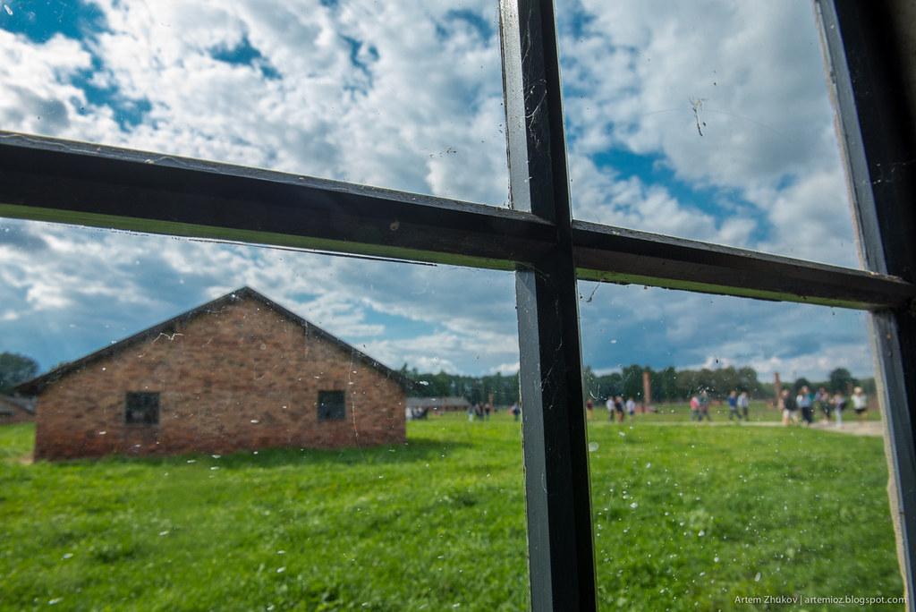 Auschwitz II–Birkenau-16.jpg