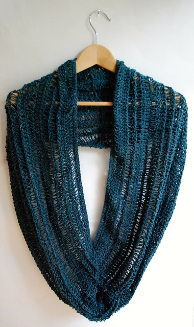 Broomstick lace infinity cowl