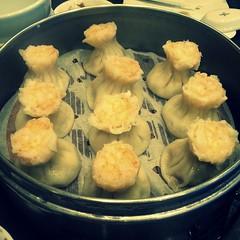 produce(0.0), dim sum food(1.0), momo(1.0), food(1.0), dish(1.0), shumai(1.0), dumpling(1.0), cuisine(1.0),