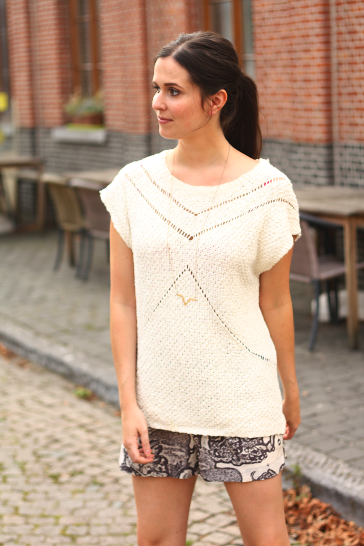 outfit crochet sweater selected lobogato necklace