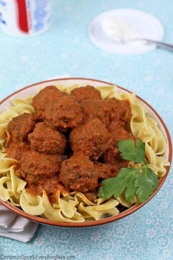 Slow Cooker Hungarian Goulash Meatballs