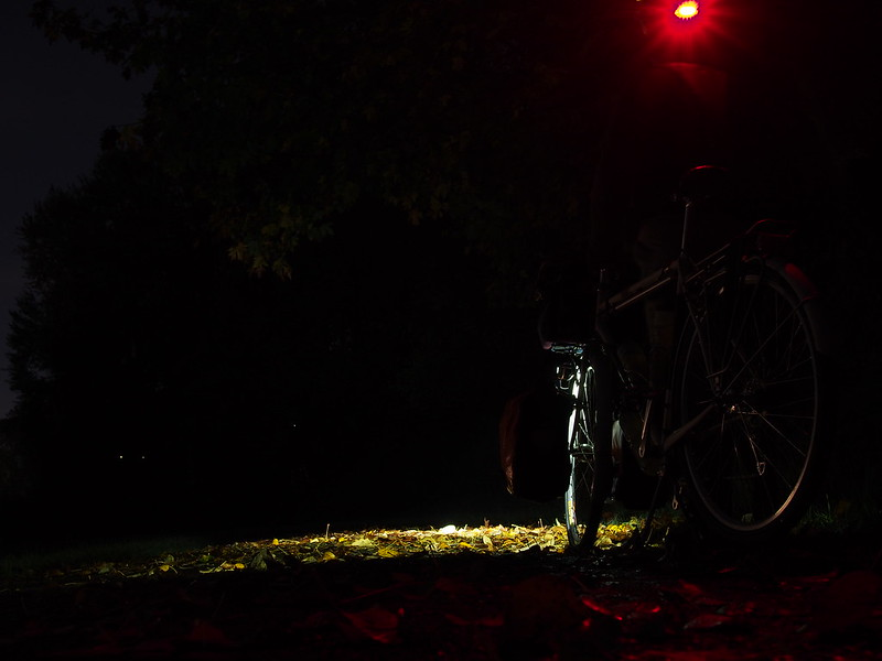 Frager Road in the Dark: It sure stays dark late these mornings!