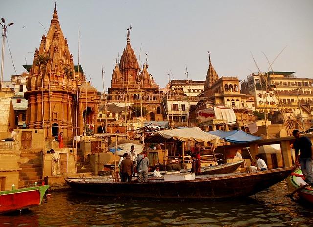 INDIEN, india, Varanasi (Benares) frühmorgends  entlang der Ghats , 14494/7451