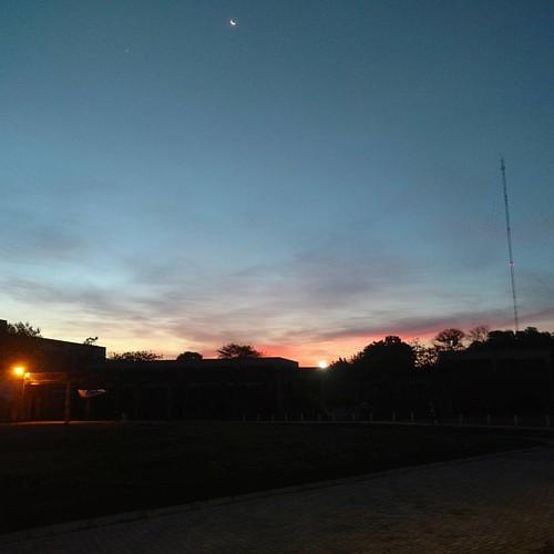Anochece en la Universidad. #UNM