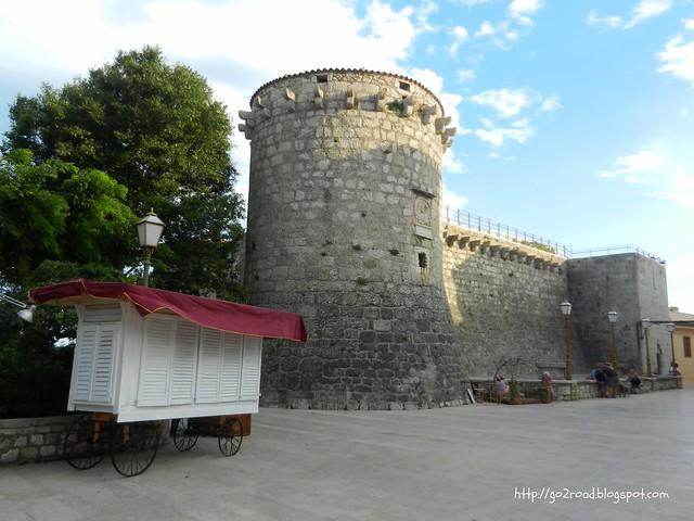 Крк, крепостные стены