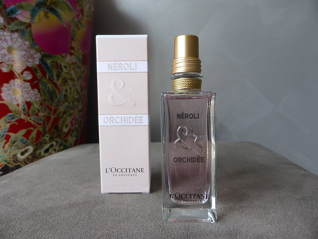 L'occitane en provence neroli and orchidee fragrance perfume floral australian beauty review ausbeautyreview blog blogger aussie honest pink pretty feminine summer spring soft fruity flower orchid