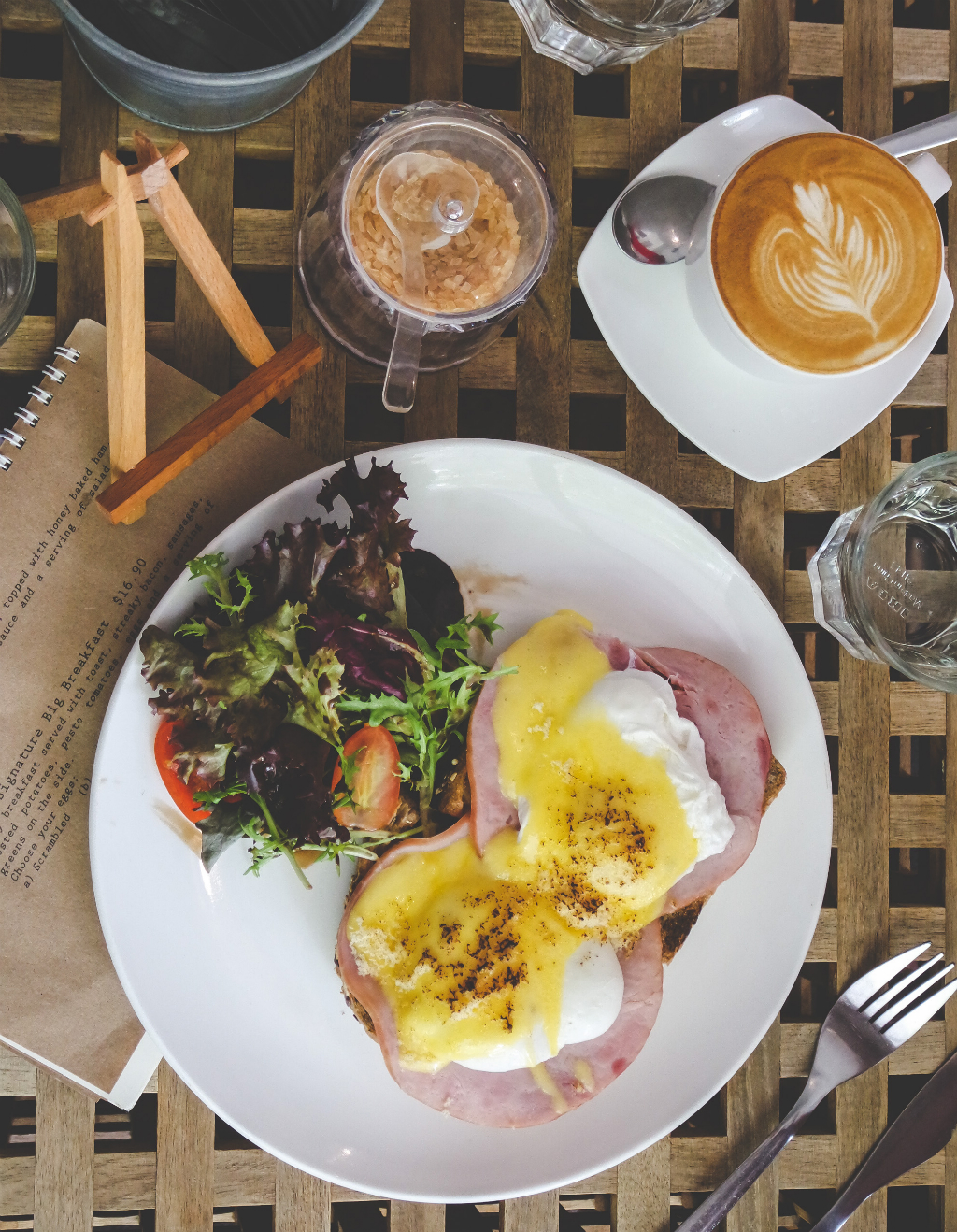 Guide to Jalan Besar & Lavender: L'Etoile Cafe's Eggs Benedict and coffee.