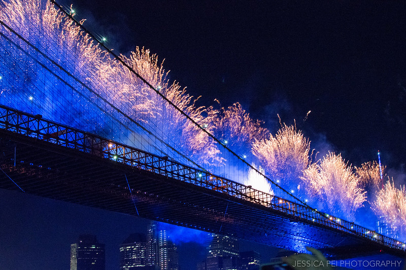 Fan Fourth of July Fireworks Off Brooklyn Bridge