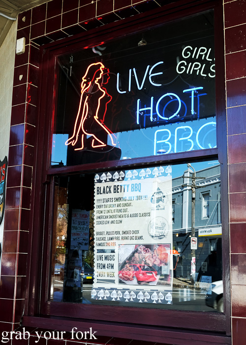 Live hot bbq neon sign at the Oxford Tavern, Petersham