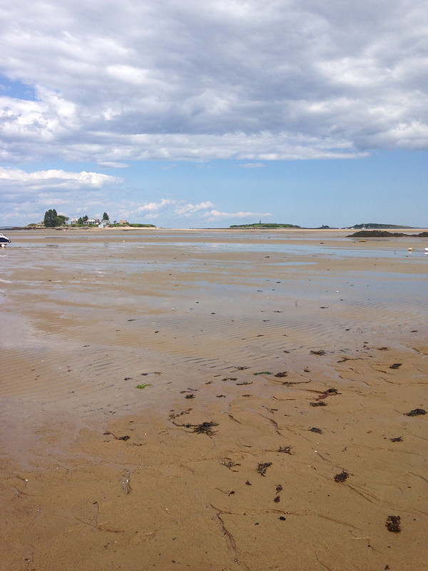 Low tide at Hills Beach