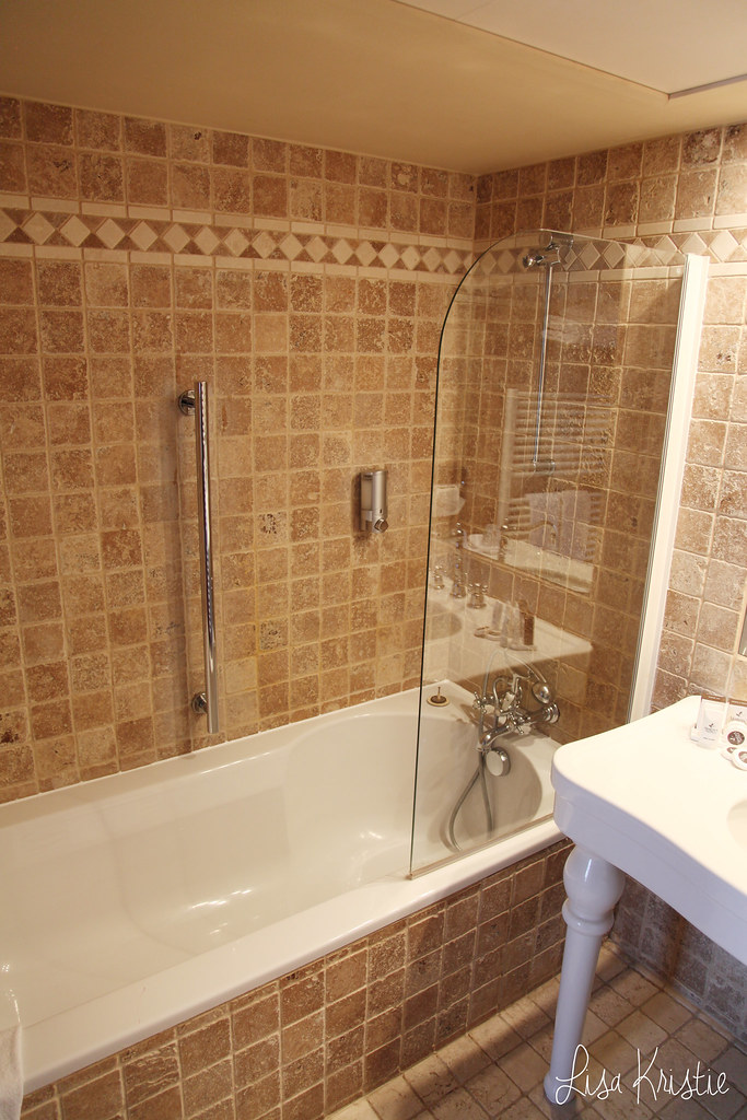 martin's hotels brugge bruges belgium suite room bathroom bongo bon voucher