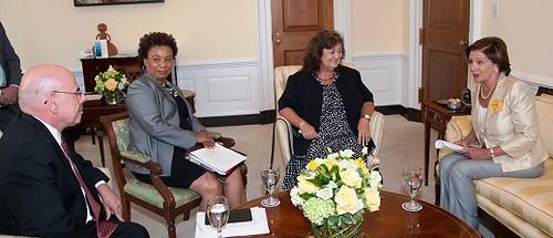 Congresswoman Pelosi meets with Ryan White's mother