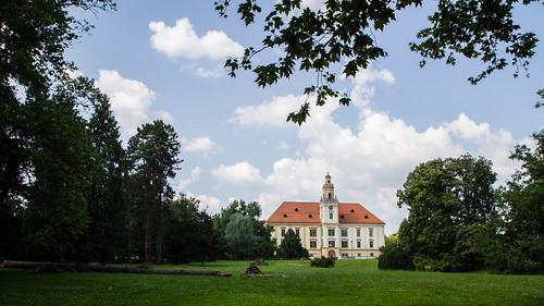 park castle walk croatia hrvatska dvorac valpovo