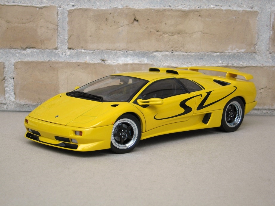 autoart 1 18 lamborghini diablo sv yellow lamborghini diecast cars forums. Black Bedroom Furniture Sets. Home Design Ideas