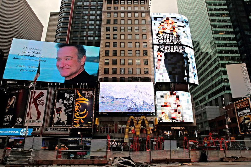 Robin Williams Tribute @ Times Square