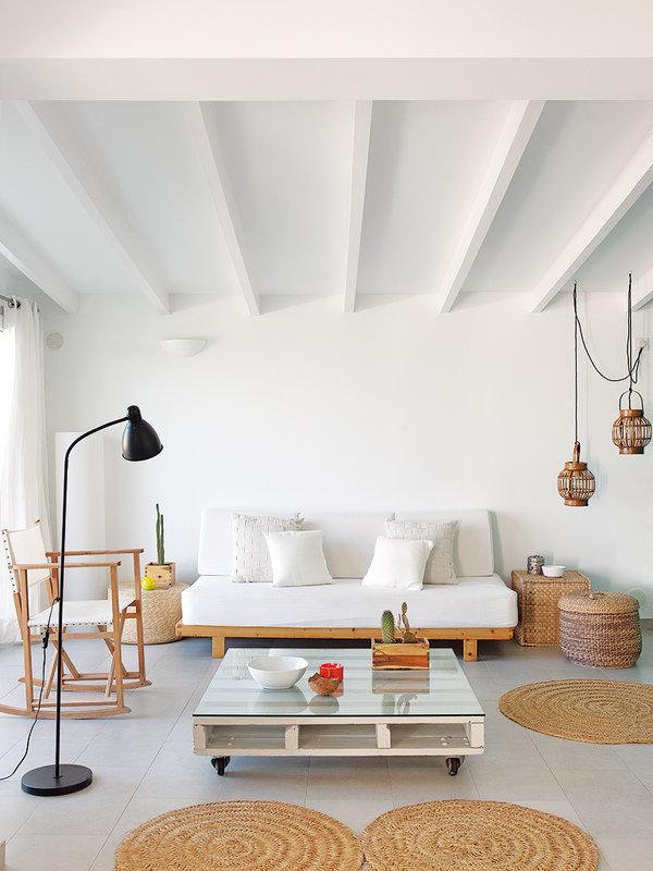 01-muebles-reciclados-en-el-interior-de-la-casa_ampliacion