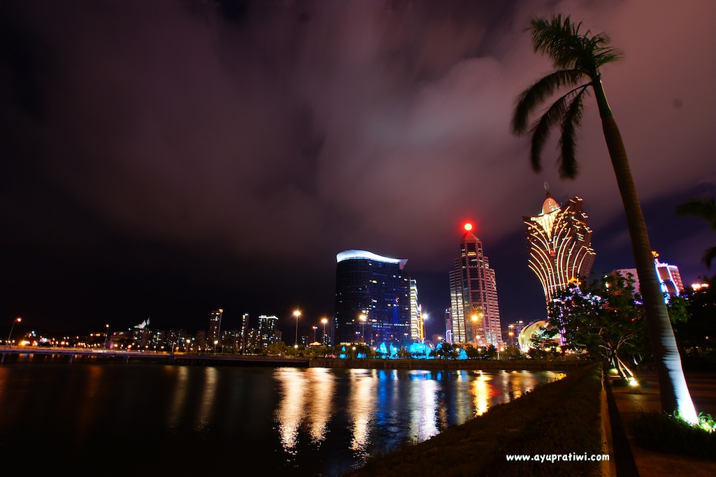 Macau-At-Night-5