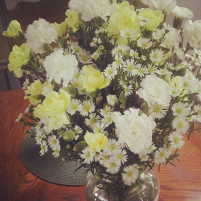 I Made this Gorgeous Flower Arrangement for Less Than $15