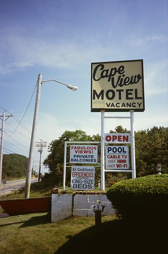 signs film sign 35mm capecod massachusetts motel slidefilm 135 truro provia e6 olympusxa fujiprovia100f northtruro capeview fzuiko35mmf28 olympusfzuiko35mmf28
