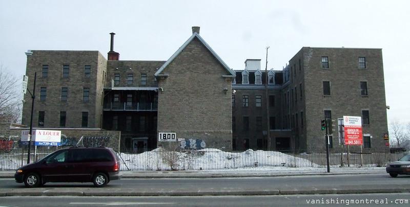 Petites soeurs des pauvres convent panoramic (2010)