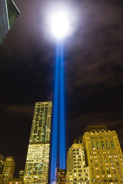 2014_Tribute_In_Light-7528