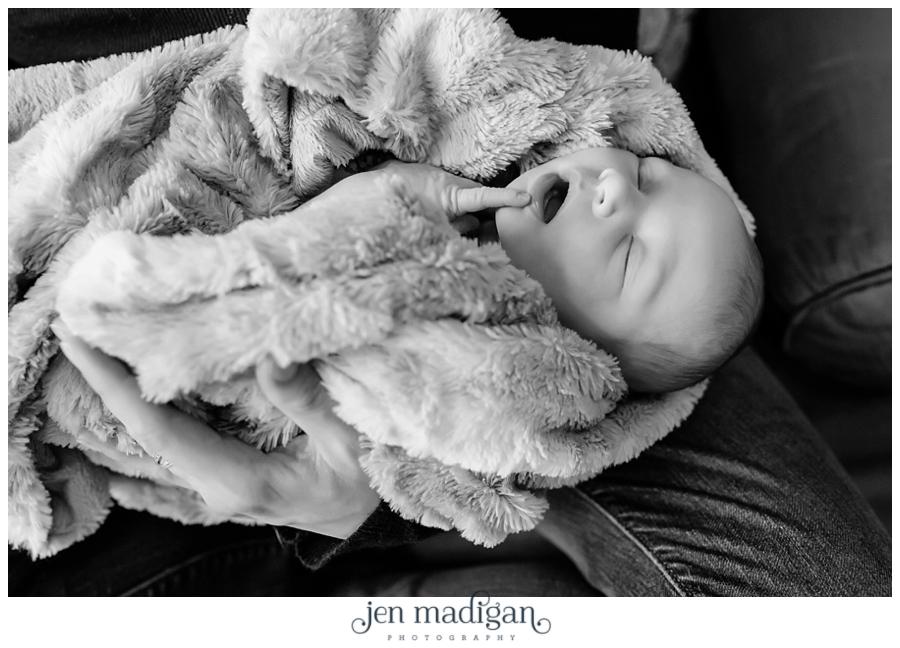 lachlan-newborn-8-bw