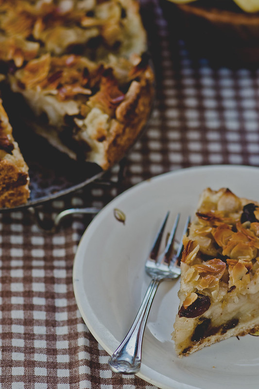 apples and almond pie.7