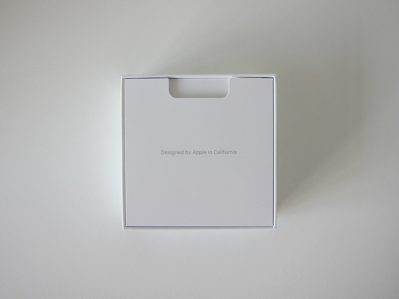 Apple AirPods - Box Open