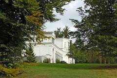 Orangerie im Schlosspark zu Putbus auf Rügen (1)
