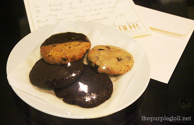 B Hotel Alabang Turndown Service Chocolate Cookies