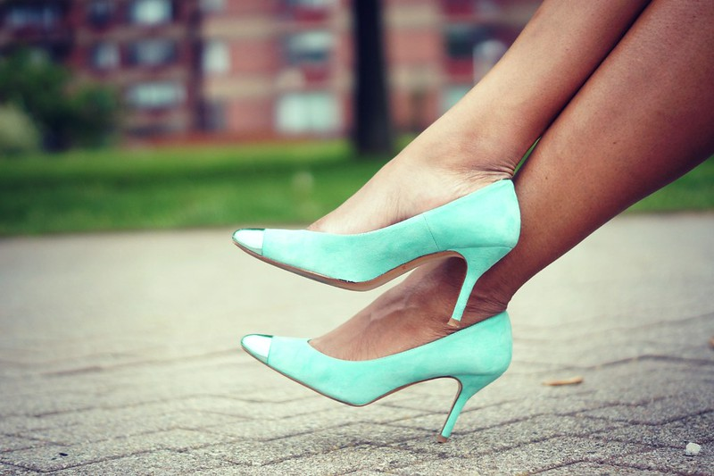 mint-suede-pumps