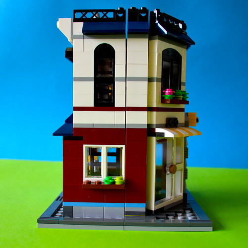 Opening side of LEGO auto-repair shop