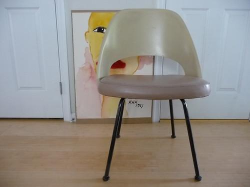 Knoll Saarinen side chair