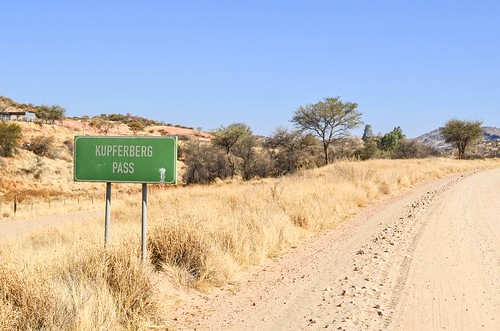 Cycling up the Kupferberg pass, Namibia