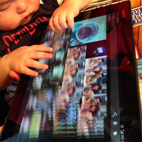 Xperia Z2 Tablet、赤ちゃんに触らせてみる。 #Xperiaアンバサダー