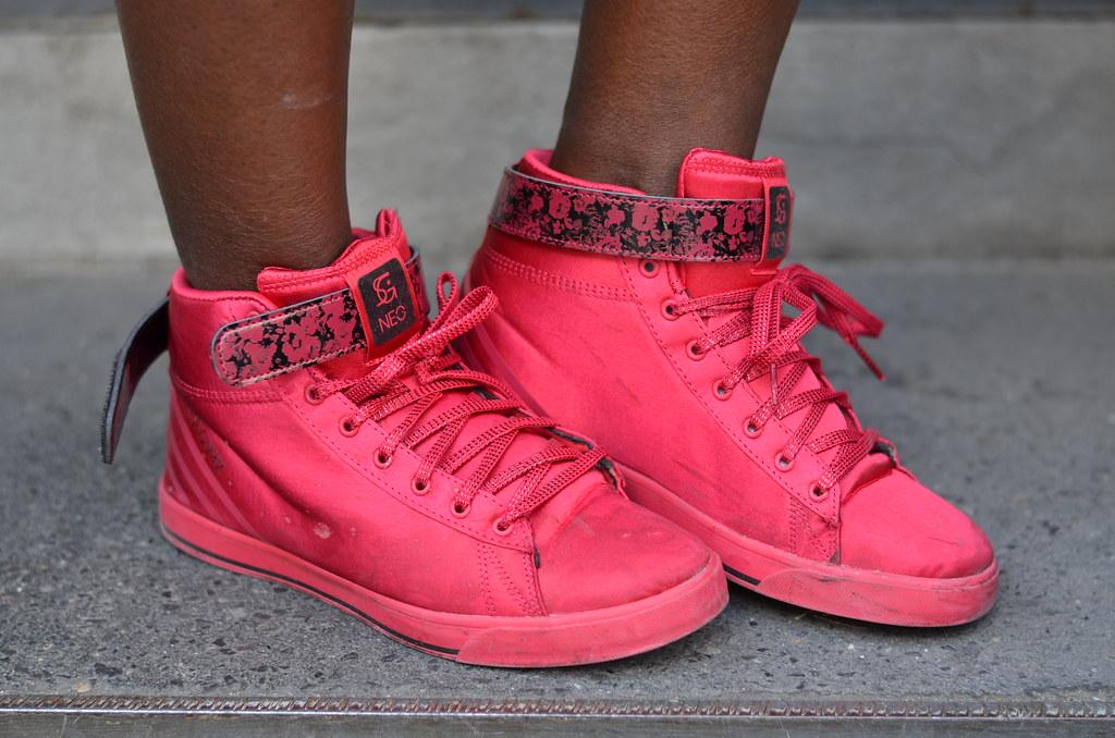 Selena Gomez Adidas NEO lisforlois