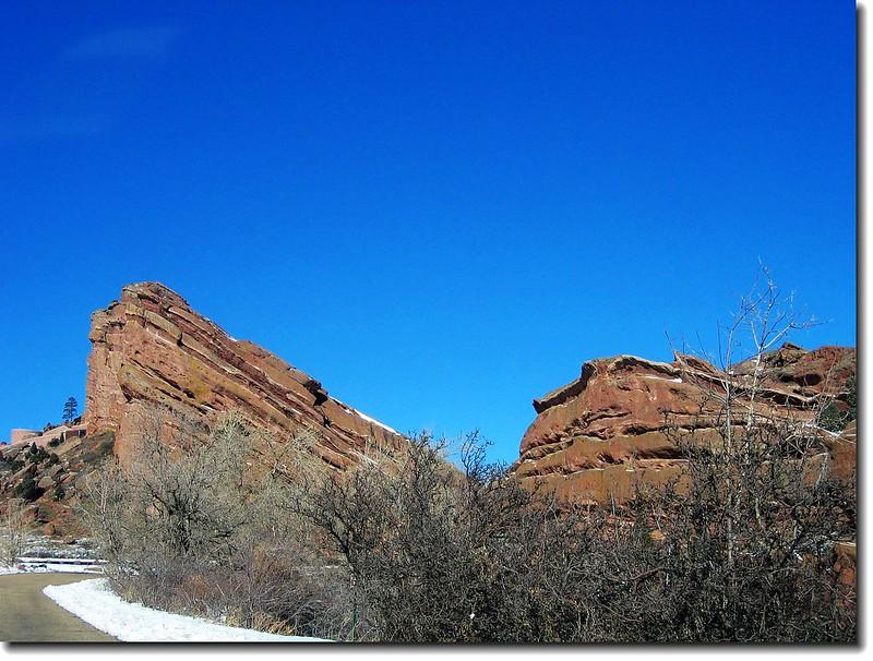 Ship Rock(L) & Nine Parks Rock(R)