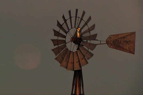 road sunset moon windmill evening highway colorado windmills moonrise falcon co judge prairie plains orr ellicott aermotor falconcolorado falconco judgeorrroad ellicotthighway