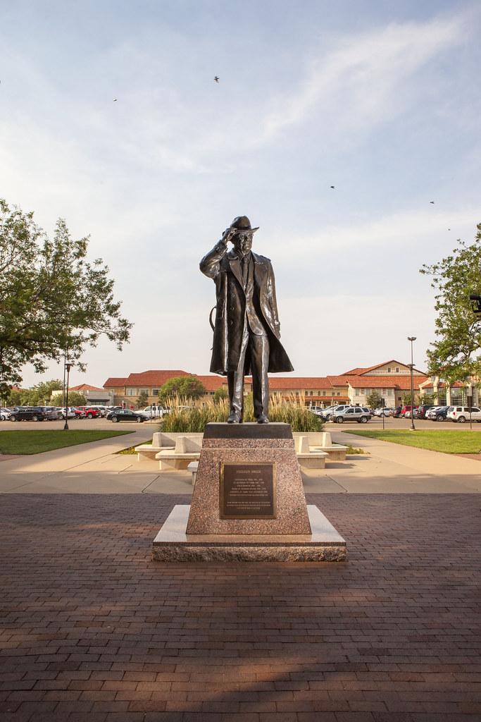 Preston Smith Statue